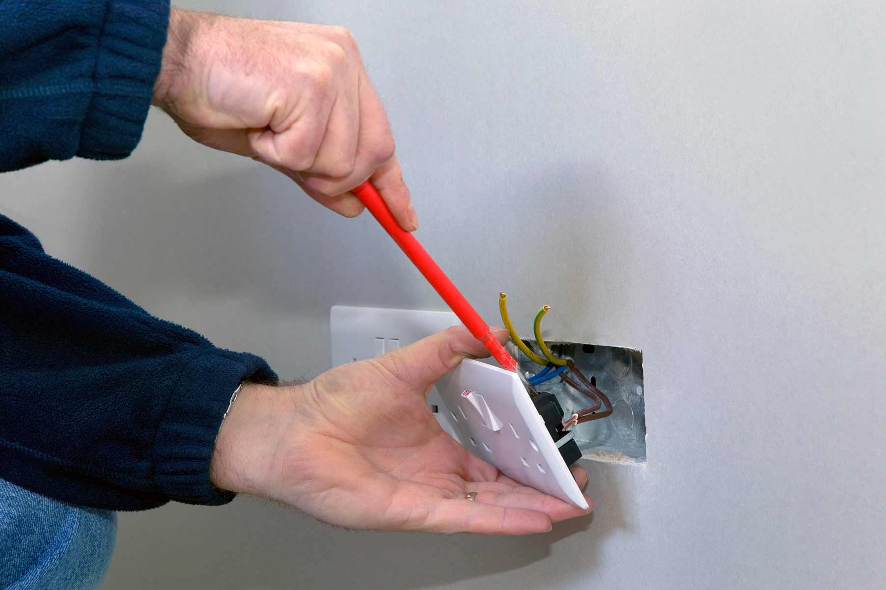 Our electricians can install plug sockets for domestic and commercial proeprties in Bermondsey and the local area.